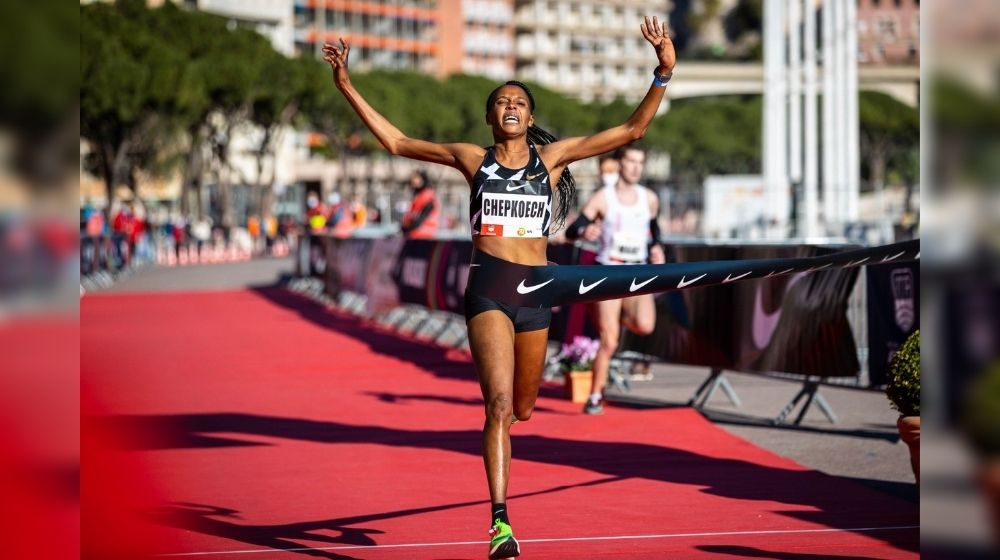 Kenya's Beatrice Chepkoech sets new 5000m World Record in Steeplechase
