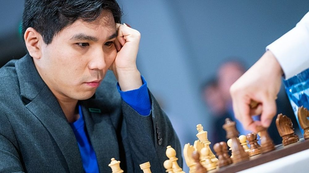 Wesley So defeats Magnus Carlsen to win the Skilling Open Final