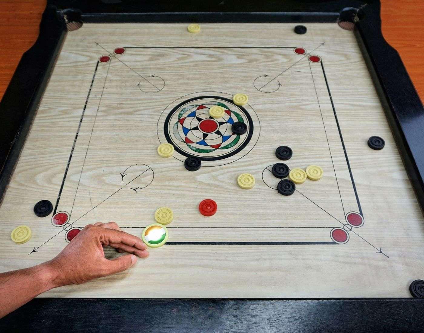carrom game