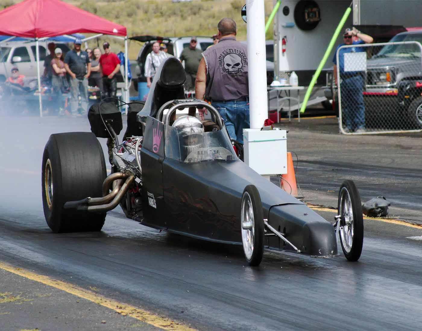 Drag motor racing