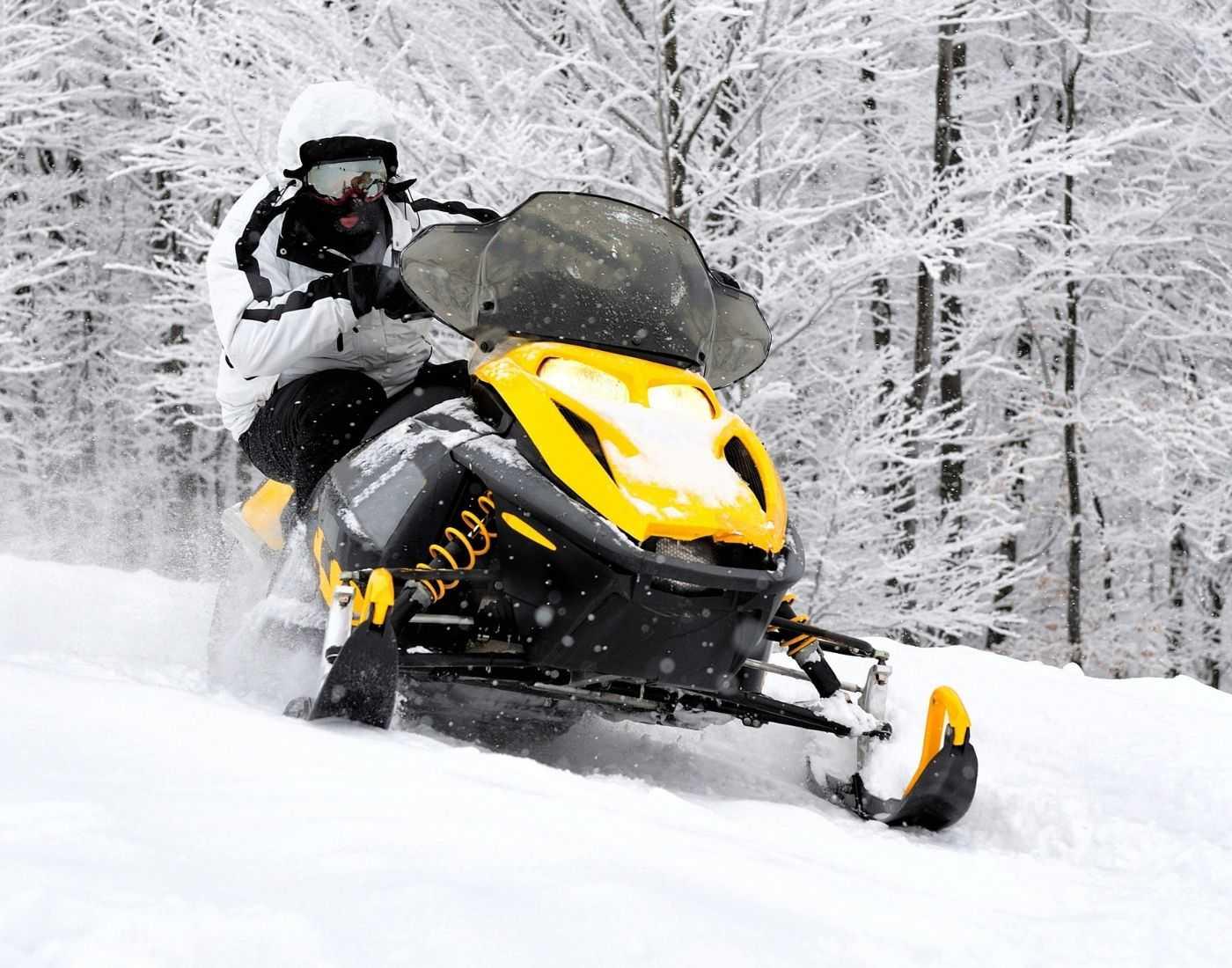 Snowmobiling motor sports