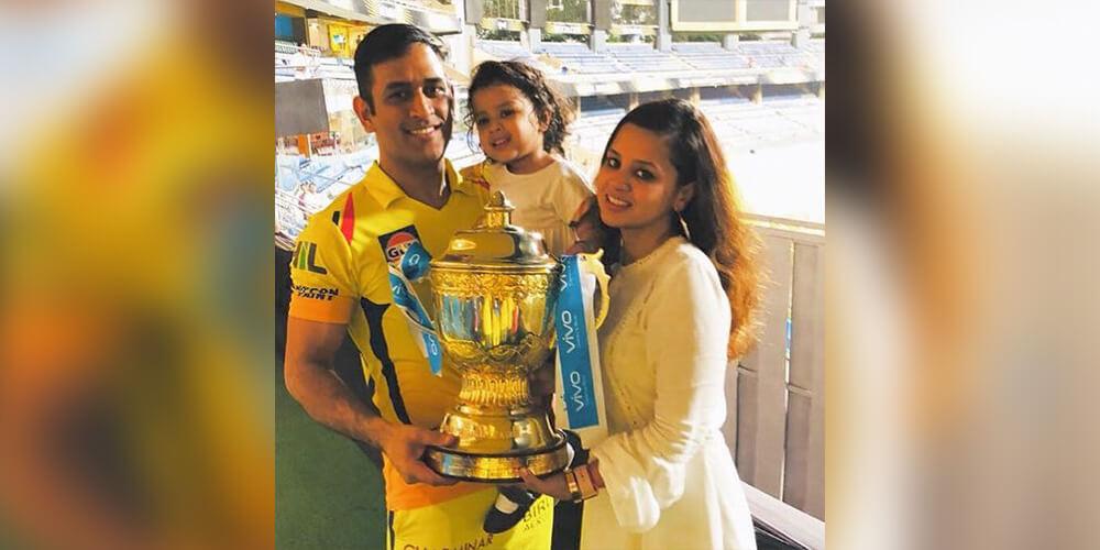 ms dhoni with sakshi dhoni