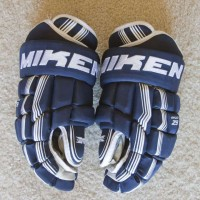 Ice Hockey - Gloves